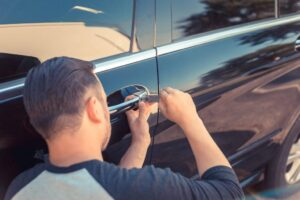 professional car locksmith